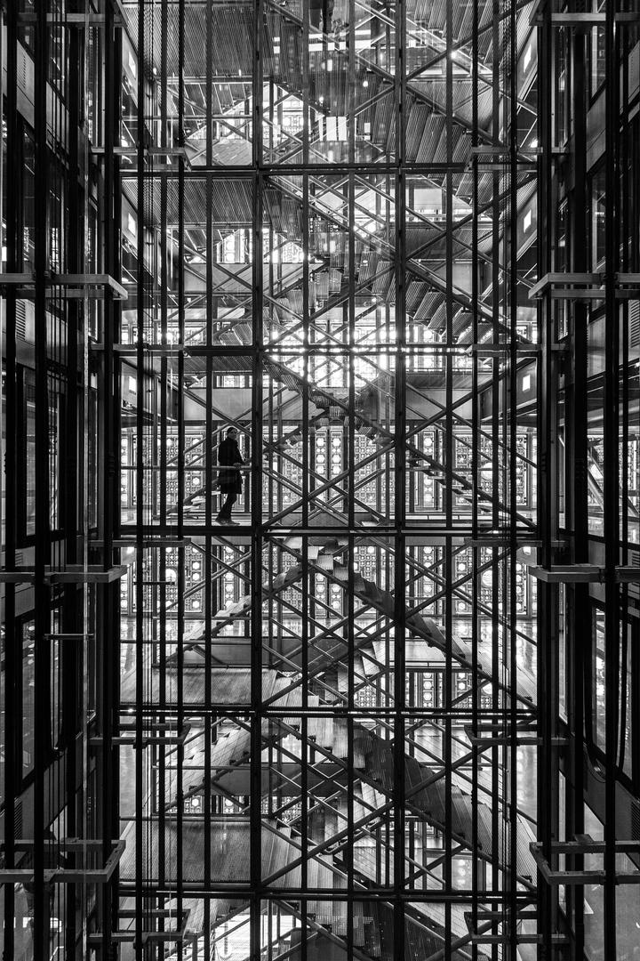Gläsernes Treppenhaus Institut du Monde Arabe Paris FRA